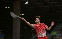 2016 Rio Olympics - Badminton - Men's Singles Group Play - Riocentro - Pavilion 4 - Rio de Janeiro, Brazil - 14/08/2016. Zi Liang Derek Wong (SIN) of Singapore plays against Chong Wei Lee (MAS) of Malaysia. REUTERS/Jeremy Lee