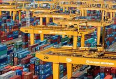 Hanjin Shipping, le premier armateur sud-coréen, a annoncé mercredi son intention de se placer en liquidation judiciaire après avoir été lâché la veille par ses banques. /Photo d'archives/REUTERS/Lee Jae-Won