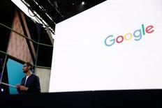 """Google rachètera le concepteur de logiciels Apigee pour 625 millions de dollars (552 millions d'euros) en numéraire, une nouvelle opération destinée à renforcer la présence dans l'informatique dématérialisée (""""cloud"""") du géant de la recherche sur internet. /Photo d'archives/REUTERS/Stephen Lam"""