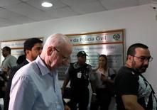 Patrick Hickey chega para depor na sede da polícia no Rio. 6/9/2016. REUTERS/Ricardo Moraes