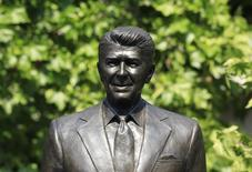 A statue of former U.S. President Ronald Reagan is seen after being unveiled outside the U.S. embassy in London July 4, 2011.   REUTERS/Suzanne Plunkett