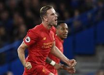 Jordan Henderson comemora gol do Liverpool contra o Chelsea.  16/9/16. Reuters / Dylan Martinez