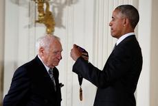 Obama concede medalha a Mel Brooks na Casa Branca. 22/9/2016.          REUTERS/Gary Cameron