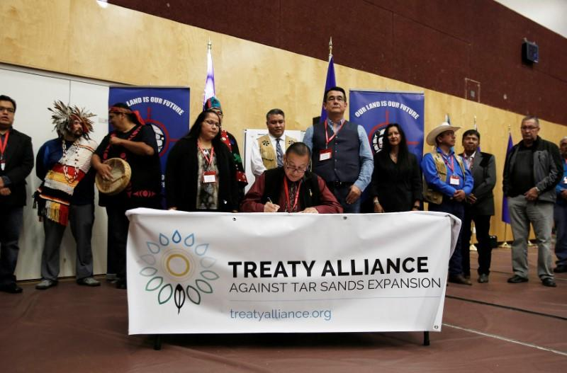 U.S., Canada aboriginal tribes form alliance to stop oil pipelines