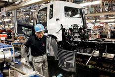 L'activité dans le secteur manufacturier au Japon s'est redressée en septembre pour la première fois en sept mois. /Photo d'archives/REUTERS/Thomas Peter
