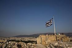 La Grèce a besoin d'un allègement substantiel de sa dette pour pouvoir en supporter durablement le poids et replacer l'économie du pays sur la chemin de la croissance, estime le Fonds monétaire international. /Photo d'archives/REUTERS/Ronen Zvulun