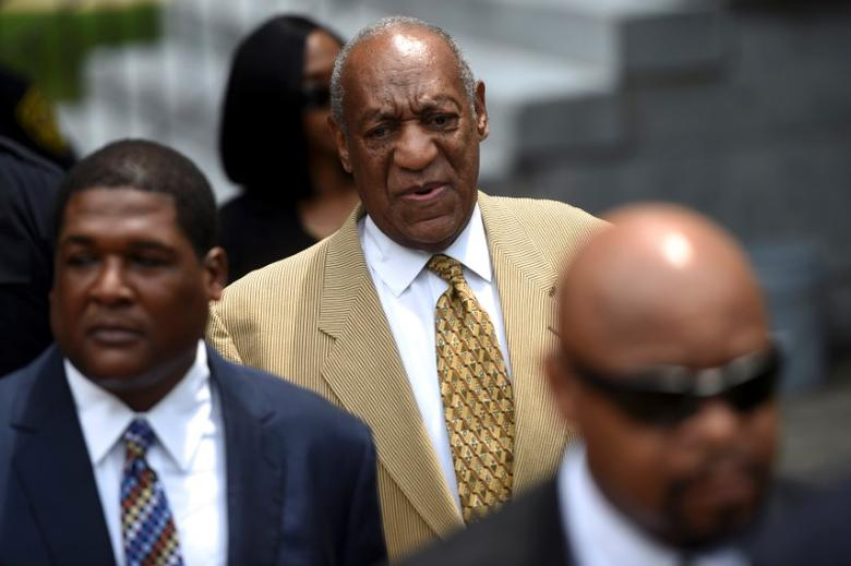 Actor and comedian Bill Cosby arrives for a Habeas Corpus hearing on sexual assault charges at the Montgomery County Courthouse in Norristown, Pennsylvania, July 7, 2016.  REUTERS/Mark Makela/Files