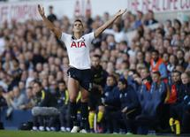 Britain Soccer Football - Tottenham Hotspur v Manchester City - Premier League - White Hart Lane - 2/10/16 Tottenham's Erik Lamela reacts Action Images via Reuters / Andrew Couldridge
