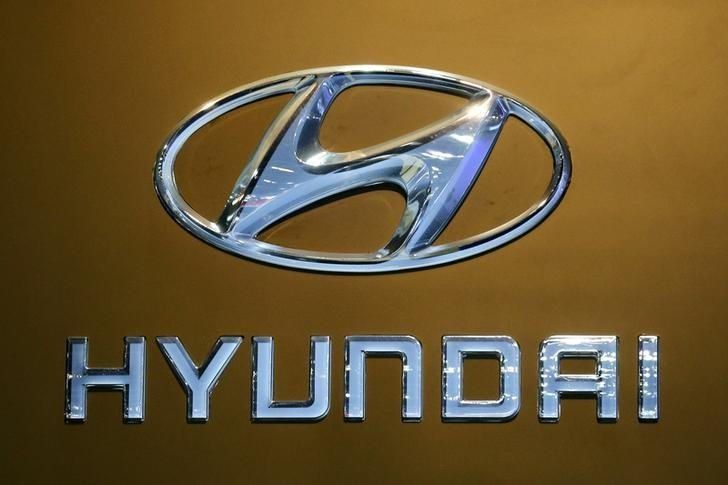 The logo of Hyundai is pictured at at the 37th Bangkok International Motor Show in Bangkok, Thailand, March 22, 2016.  REUTERS/Chaiwat Subprasom/File Photo