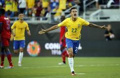 Philippe Coutinho comemora gol do Brasil contra Haiti na Copa América. 8/6/2016. Reuters/Kim Klement-USA TODAY Sports