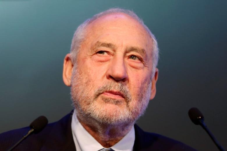 Nobel Prize-winning economist Joseph Stiglitz attends a keynote presentation during CLSA investors conference in Hong Kong, China September 19, 2016.      REUTERS/Bobby Yip