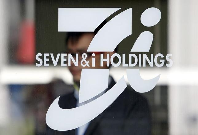 10月6日、セブン&アイ・ホールディングス は、エイチ・ツー・オー リテイリングと資本業務提携で基本合意したと発表した。写真は4月、都内で撮影(2016年 ロイター/Yuya Shino)