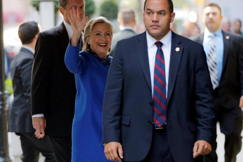 U.S. Democratic presidential nominee Hillary Clinton arrives for a campaign finance event in New York, New York, U.S., October 6, 2016. REUTERS/Brian Snyder