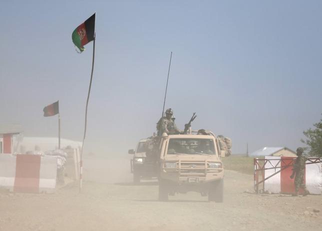 Afghan security forces patrol at the Kunduz, Afghanistan April 30, 2015. REUTERS/Omar Sobhani