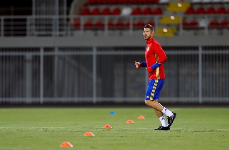 Football Soccer - Spain Training - World Cup 2018 Qualifiers - Loro Borici Stadium, Shkoder, Albania - 8/10/16. Spain's Sergio Ramos take part in a training session. REUTERS/Antonio Bronic
