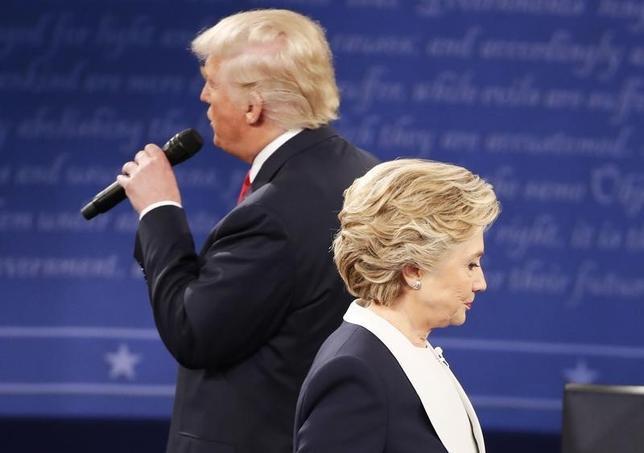 10月10日、米大統領選候補第2回テレビ討論会の視聴者数は約6360万人と、第1回討論会で記録した過去最多の8400万人から大きく減った。討論会が行われたミズーリ州のワシントン大学で9日撮影(2016年 ロイター/Lucy Nicholson)