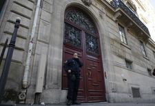 The entrance of a luxury residence on the Rue Tronchet in central Paris.  REUTERS/Gonzalo Fuentes