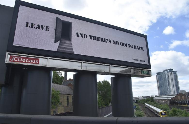 A 'Vote Remain' campaign electronic billboard is seen in London, Britain June 21, 2016. REUTERS/Toby Melville