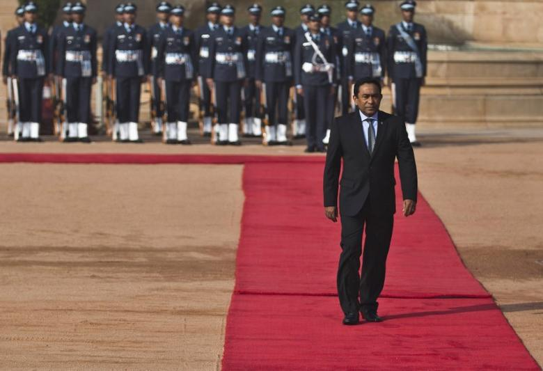 Maldives President Abdulla Yameen inspects a guard of honour during his ceremonial reception at the forecourt of India's presidential palace Rashtrapati Bhavan in New Delhi January 2, 2014. REUTERS/Ahmad Masood
