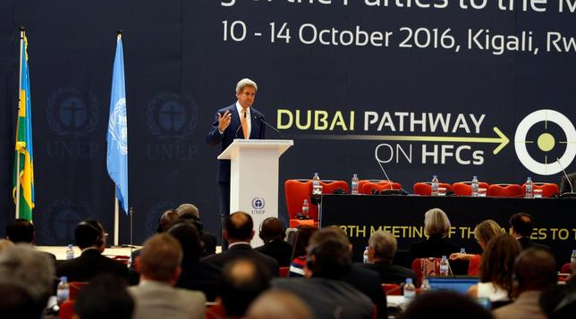 U.S. Secretary of State John Kerrydelivers his keynote addres to promote U.S. climate and environmental goals, at the Meeting of the Parties to the Montreal Protocol on the elimination of hydro fluorocarbons (HFCs) use, held in Rwanda's capital Kigali, October 14, 2016. REUTERS/James Akena