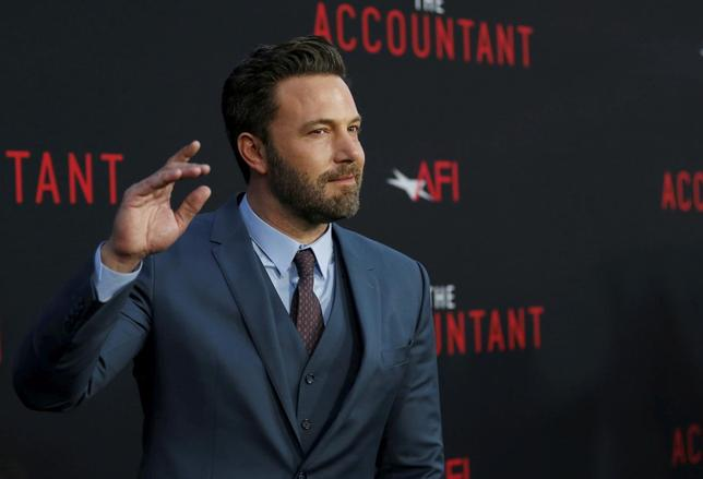 Cast member Ben Affleck poses at the premiere of ''The Accountant'' at the TCL Chinese theatre in Hollywood, California U.S., October 10, 2016. REUTERS/Mario Anzuoni