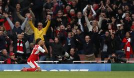 Britain Soccer Football - Arsenal v Middlesbrough - Premier League - Emirates Stadium - 22/10/16 Arsenal's Alex Oxlade-Chamberlain reacts after having a goal disallowed Action Images via Reuters / John Sibley Livepic EDITORIAL USE ONLY.