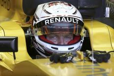 Formula One F1 - U.S. Grand Prix - Circuit of the Americas, Austin, Texas, U.S., 21/10/16. Renault's Kevin Magnussen of Denmark sits in his car as he prepares for the first practice session.   REUTERS/Adrees Latif