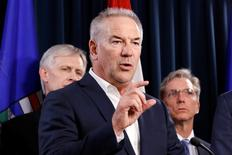 Steve Williams, president and CEO of Suncor Energy, speaks during a news conference following a meeting between Alberta Premier Rachel Notley and oil company executives about the Fort McMurray wildfires at the Alberta Legislature Building in Edmonton, Alberta, Canada, May 10, 2016. REUTERS/Chris Wattie