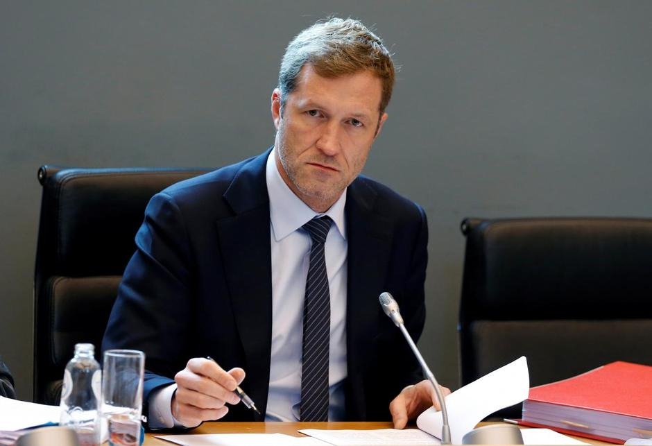 Eu and canada to sign trade pact after belgians strike key deal minister president of wallonia paul magnette attends a meeting on the comprehensive economic and trade agreement ceta a planned eu canada free trade platinumwayz