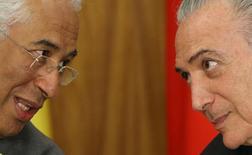 Primeiro-ministro de Portugal, António Costa, conversa com o presidente Michel Temer no Palácio do Planalto, em Brasília 01/11/2016 REUTERS/Adriano Machado