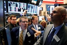 La Bourse de New York a fini en baisse de 0,16% jeudi, l'indice Dow Jones cédant 28,49 points à 17.931,15. /Photo prise le 31 octobre 2016/REUTERS/Brendan McDermid