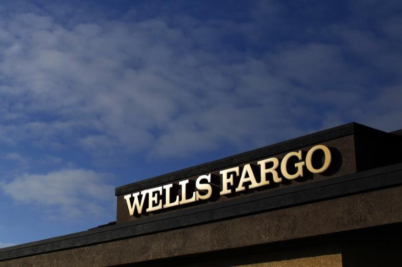 U S  senators raise questions over fired Wells Fargo workers