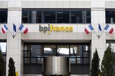 La banque publique Bpifrance a annoncé mardi investir 600.000 euros pour entrer au capital de Bustronome, une jeune entreprise française spécialisée dans la gastronomie servie à bord de bus à impériale spécialement aménagés. /Photo d'archives/REUTERS/Charles Platiau