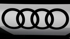 An Audi logo is seen at the Mondial de l'Automobile, Paris auto show, during media day in Paris, France, September 30, 2016. REUTERS/Jacky Naegelen - RTSQ8GI