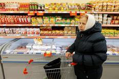 Le produit intérieur brut (PIB) de la Russie s'est contracté de 0,4% au troisième trimestre par rapport à la même période de 2015, selon des données préliminaires publiées lundi par le service national de la statistique. /Photo prise le 20 octobre 2016/REUTERS/Maxim Zmeyev