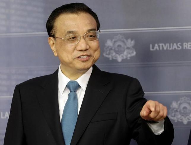 11月15日、中国の李克強首相(写真)は、2016年に「主要な開発目標を比較的うまく遂行する」ことが可能との見解を示した。リガで4日撮影(2016年 ロイター/Ints Kalnins)