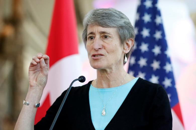 U.S. Secretary of the Interior Sally Jewell speaks during a news conference in Gatineau, Quebec, Canada, April 28, 2016. REUTERS/Chris Wattie - RTX2C36Y
