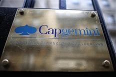 Cap Gemini, troisième plus forte progression du CAC 40, a gagné 1,93% à 74,41 euros. /Photo d'archives/REUTERS/Charles Platiau