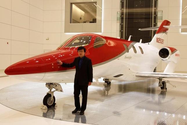 11月12日、ホンダは小型ビジネスジェット機「ホンダジェット」を今後3年間で段階的に増産する方針。ホンダエアクラフトカンパニーの藤野社長(写真)が明らかにした。米ノースカロライナ州で11日撮影(2016年 ロイター/Maki Shiraki)