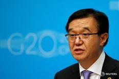El ministro de Comercio de China, Gao Hucheng, durante un encuentro del G20 en Shanghái. 10 de julio de 2016. China dijo que participará activamente en acuerdos comerciales bilaterales y multilaterales con el objetivo de profundizar  reformas y abrir su economía, sin importar la dirección que puedan tomar el Acuerdo Transpacífico de Cooperación Económica (TPP) o la Asociación Económica Integral Regional (RCEP). REUTERS/Aly Song
