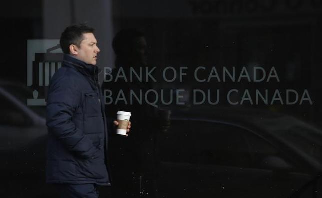 11月25日、一部のエコノミストは、市場がカナダ中銀の利下げ可能性を過小評価していると指摘している。写真はオタワで昨年3月撮影(2016年 ロイター/ Chris Wattie)