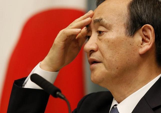 11月28日、菅義偉官房長官は午後の会見で、カジノを含む統合型リゾート(IR)推進法案について、観光立国を進める観点から国会でも審議して欲しいとの考えを示した。写真は都内で昨年2月撮影(2016年 ロイター/Toru Hanai)