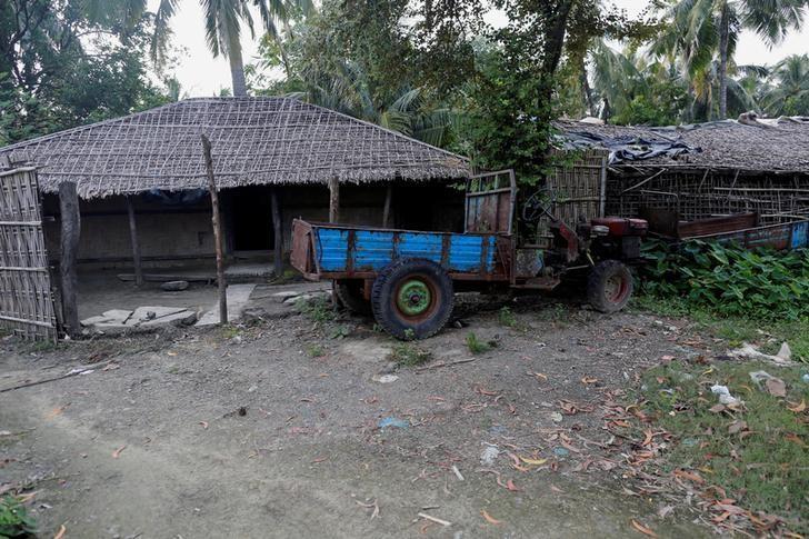 A Rohingya abandoned house  is seen at U Shey Kya village outside Maungdaw in Rakhine state, Myanmar, October 26, 2016. REUTERS/Soe Zeya Tun/File Photo