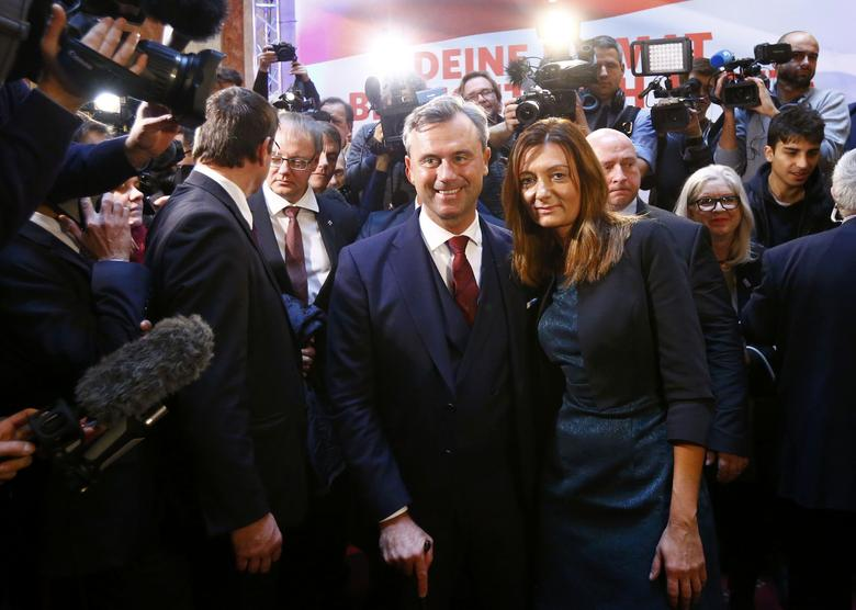 Austrian presidential candidate Norbert Hofer of the FPOe and his wife Verena pose after his final election rally in Vienna, Austria, December 2, 2016. REUTERS/Leonhard Foeger