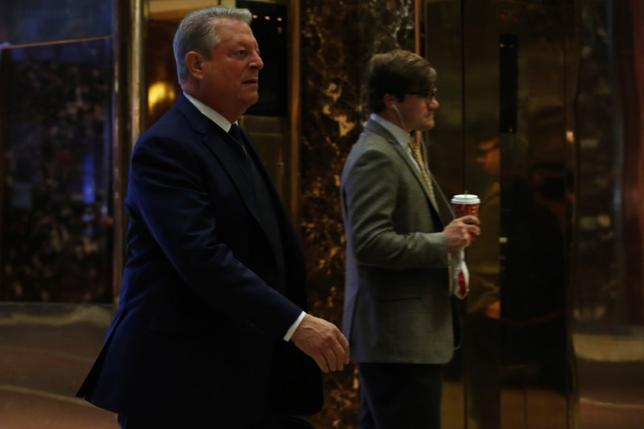 Nobel Peace Prize laureate and former U.S. Vice President Al Gore arrives to meet with U.S. President-elect Donald Trump at Trump Tower in Manhattan, New York City, U.S., December 5, 2016.  REUTERS/Brendan McDermid