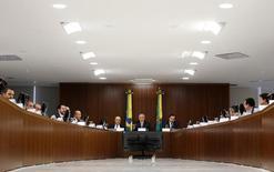 Presidente Michel Temer participa de reunião sobre reforma da Previdência com líderes parlamentares no Palácio do Planalto, em Brasília 05/12/2016 REUTERS/Adriano Machado