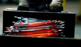 Usine d'outils Kinpex an Allemagne. La production industrielle a connu une croissance moins forte que prévu en octobre, les chiffres officiels montrant que la première économie d'Europe a démarré le quatrième trimestre timidement. /Photo prise le 15 octobre 2016/REUTERS/Wolfgang Rattay/