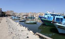 قوارب في قرية برج مغيزل التابعة لمحافظة كفر الشيخ المصرية يوم 23 يونيو حزيران 2016. تصوير: ستيفن جراي - رويترز