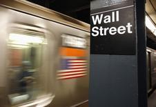 La Bourse de New York a fini en ordre dispersé lundi. Le Dow Jones a gagné 0,2%, le S&P-500 a perdu 0,11% et le Nasdaq Composite reculé de son côté de 0,59%. /Photo d'archives/REUTERS/Shannon Stapleton