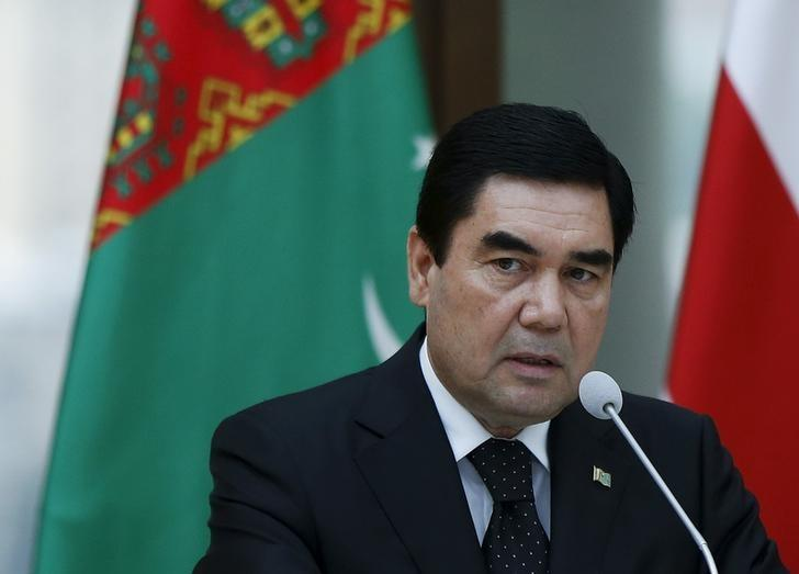 Turkmenistan's President Kurbanguly Berdymukhamedov speaks at a news briefing in Tbilisi, Georgia, July 2, 2015. REUTERS/David Mdzinarishvili/Files